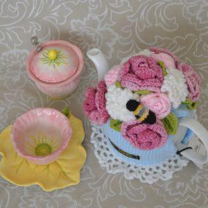 Rose Bouquet with Blue Vase Tea Cosy