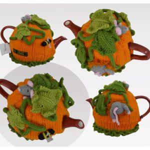 Pumpkin Field Mouse Tea Cosy Pattern