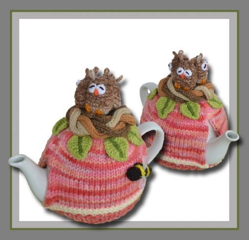 3 owls in a nest tea cosy image
