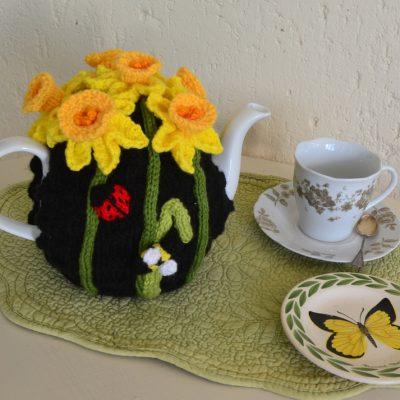 daffodil tea cozy