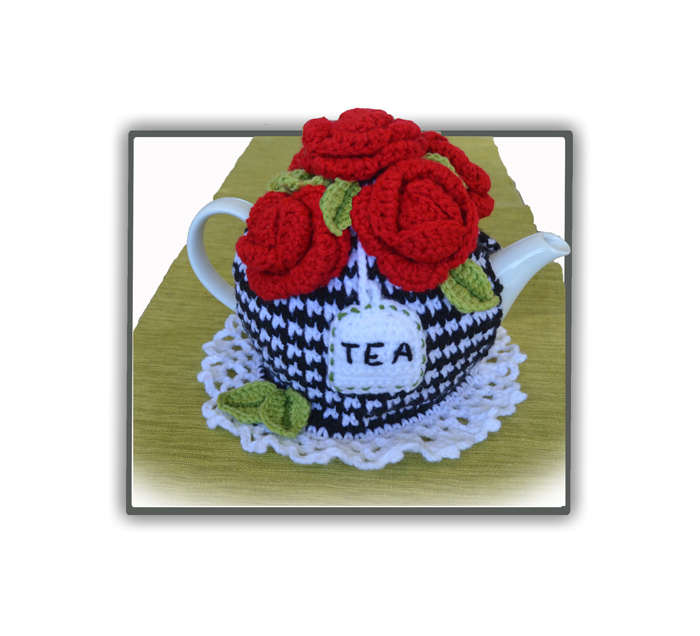 five red roses tea cosy