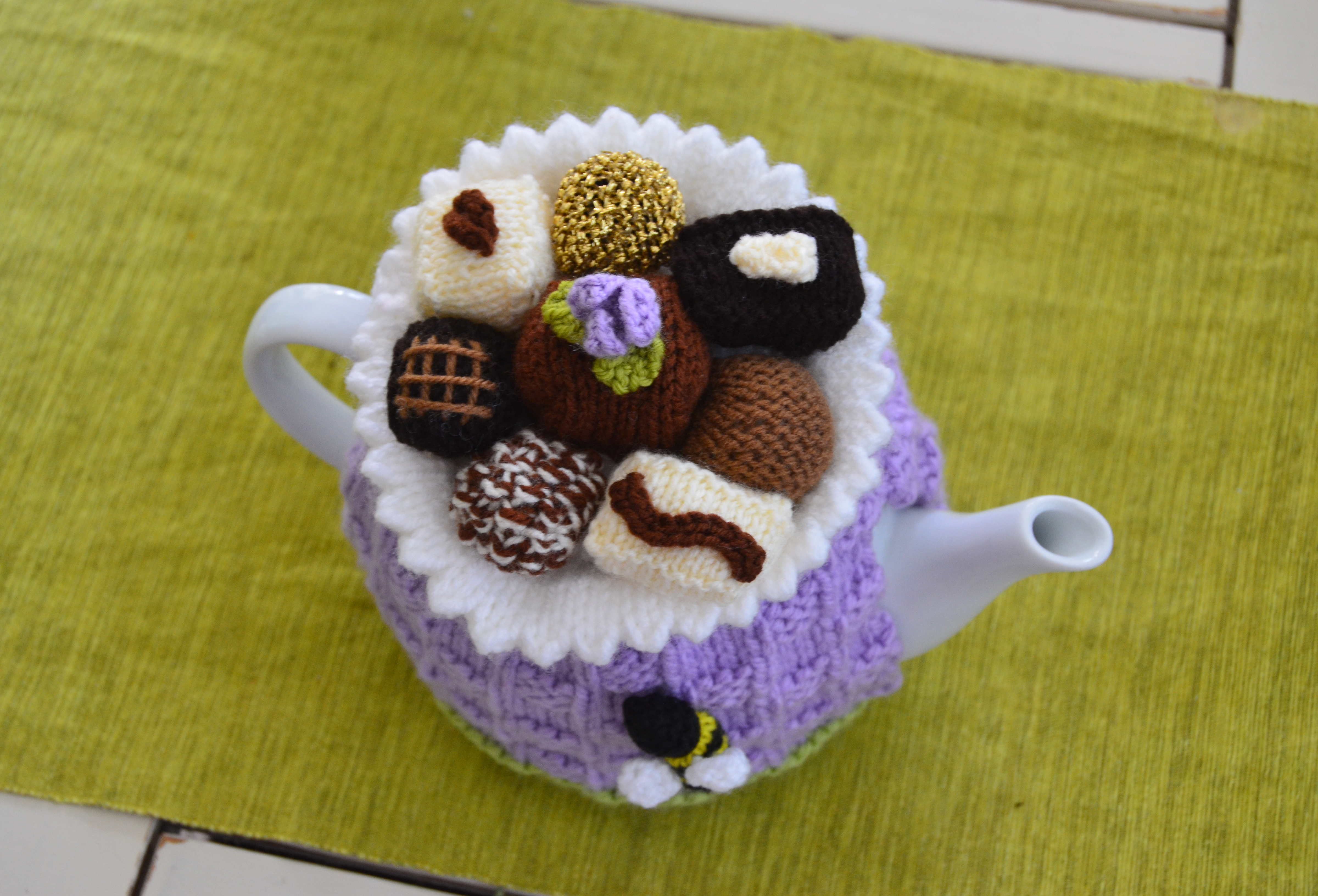chocolate box tea cozy pattern