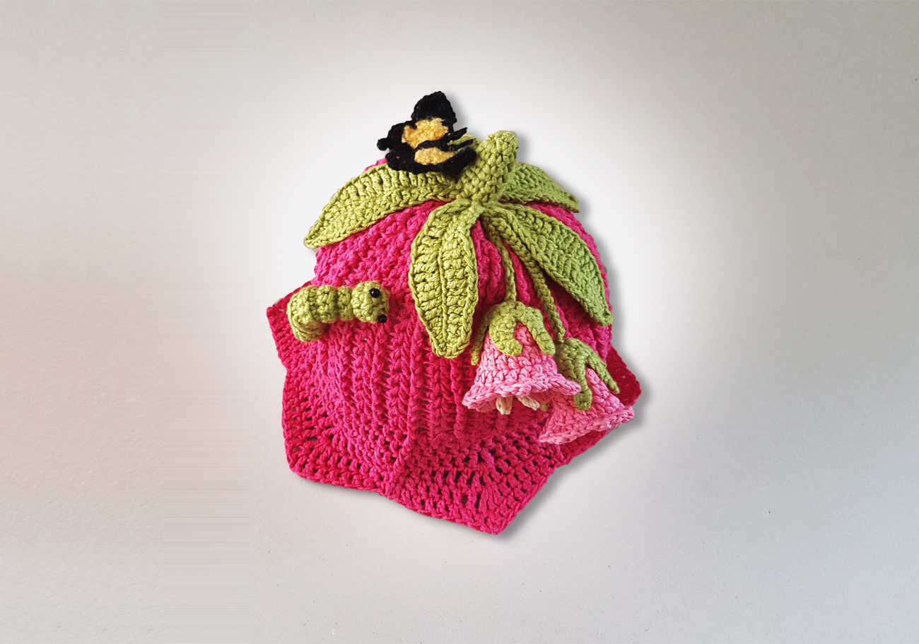 pink lily hat to crochet image