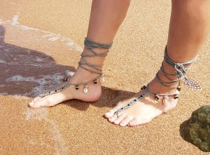 bare-foot-sandals-with-shells