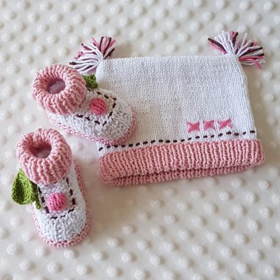 cupcake bootie & beanie set image