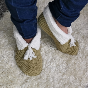 Cosy Beginners Slipper Bed Socks in 3 sizes: S, M, and L
